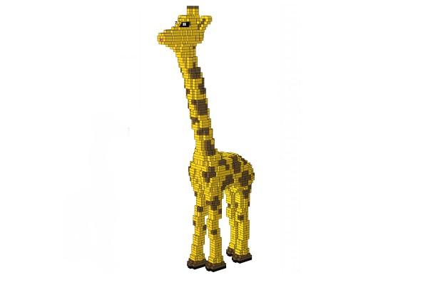 2 Meter große Giraffe aus XL Klemmbausteinen